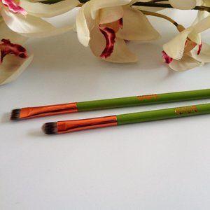 💗 2/$25 Ojitos brushes